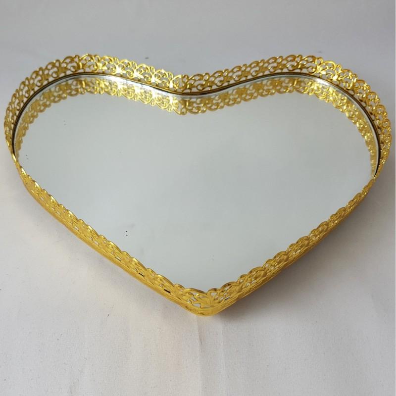 מגש זהב עם בסיס מראה