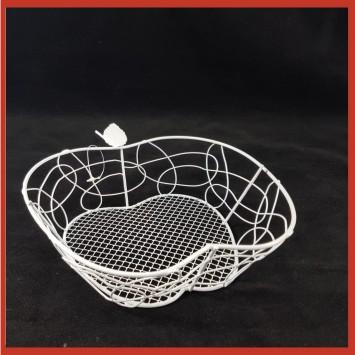 קערת מתכת רשת בצורת תפוח.