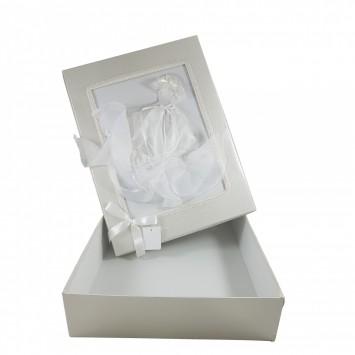 קופסה מלבנית לבנה