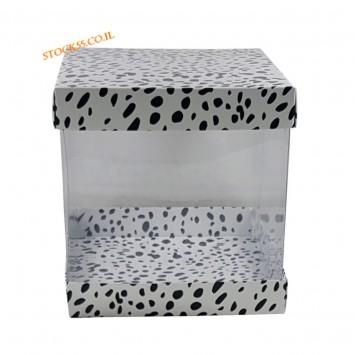 קופסה מנומרת לעוגה מעוצבת לעוגת קומות