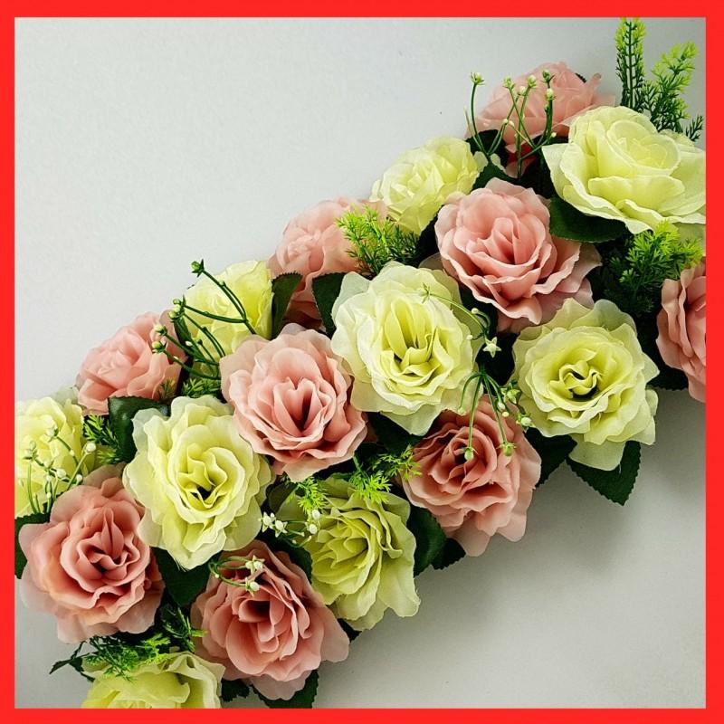 סידור פרחים  שזור ורדים ורודים ולבנים